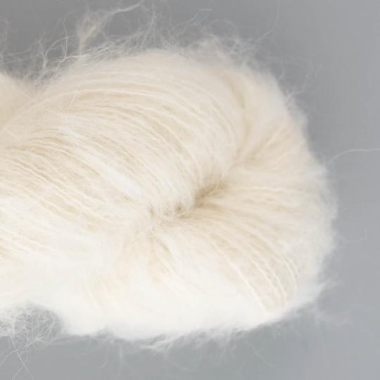 Kremke Soul Wool Baby Silk Fluffy undyed on hanks natural white undyed